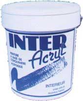 Матовая краска для внутренних работ на базе акрилового сополимера в водной эмульсии, устойчивая к истиранию.