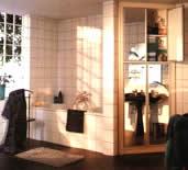 Небольшой угловой шкаф для ванной комнаты из МДФ