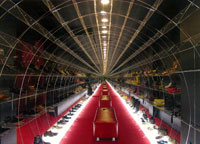 Обувной магазин 'Mama Grandioza'. AM 'Витрувий и сыновья', г. Санкт-Петербург. 2-е место в номинации 'Общественный интерьер'.