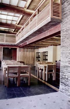 """Справа Работа бюро """"Обледенение архитекторов""""-японский ресторан """"Сейджи"""" удостоился первого места в номинации """"Общественный интерьер"""""""