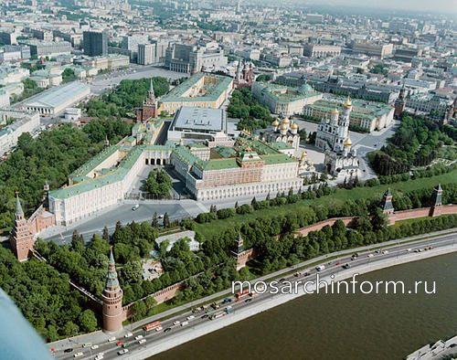 Вид Кремля с высоты птичьего полета.