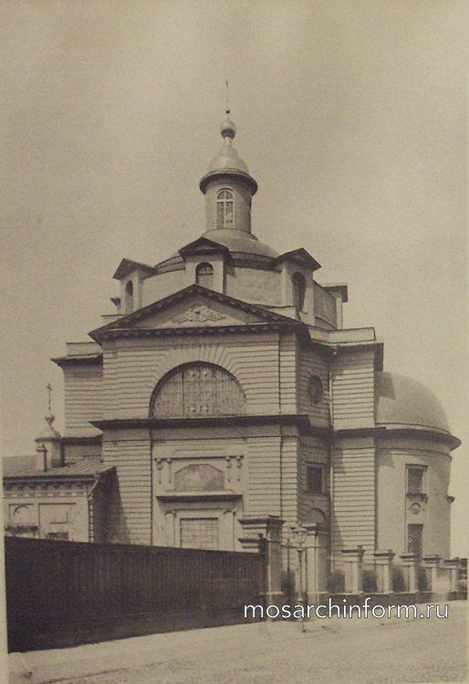 Церковь Иоанна Предтечи «в Казенной» (Земляной вал)