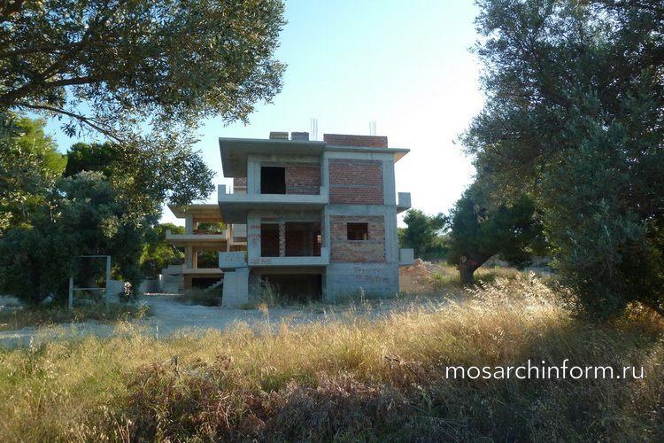 Недостроенный частный дом в Греции