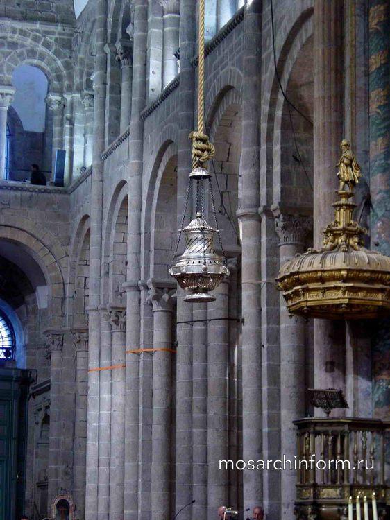 Внутренний вид собора Сантьяго-де-Компостела - Романский период - Архитектура Испании