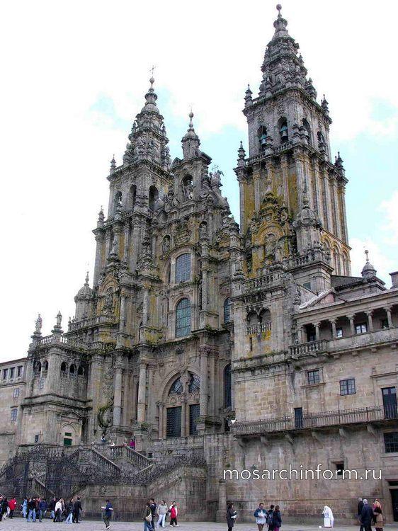 Современный фасад собора Сантьяго-де-Компостела - Период барокко - Архитектура Испании