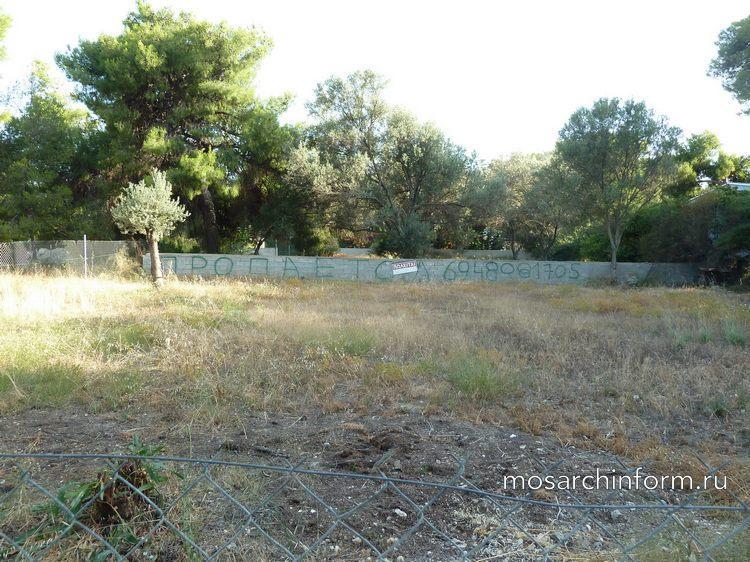 Пустой земельный участок в Греции