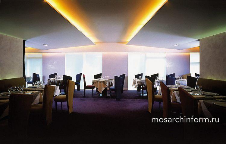 интерьер ресторана, ресторан в Париже Большая лестница