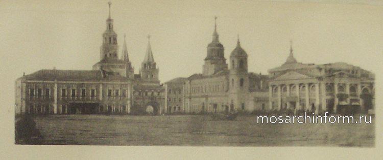 Присутственные места у Иверских ворот - Архитектура Москвы времён Екатерины II, вт.п. 18 века