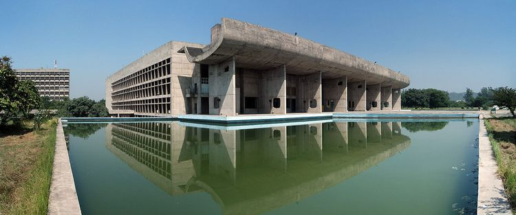 Кубизм в архитектуре, Ле Корбюзье, здания Ассамблеи, Чандигарх, Индия