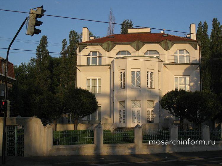 Архитектура Кубизма - Вилла Коваржовица в Праге построенная Йосефом Хохолем
