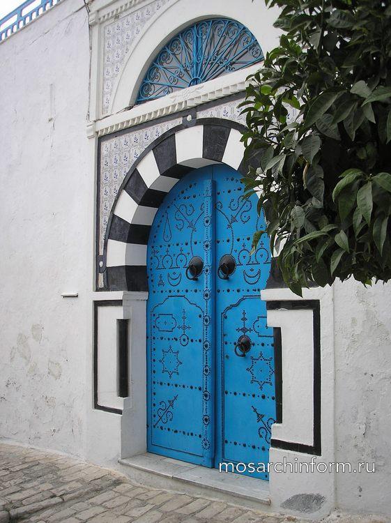 Уличные двери в дом, Синие двери, Тунис - Конструкции фото