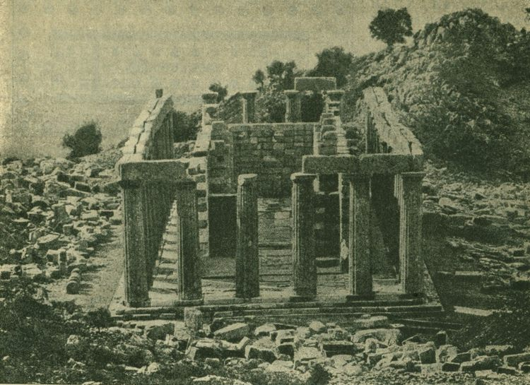 Периптер (храм Аполлона в Фигалии)