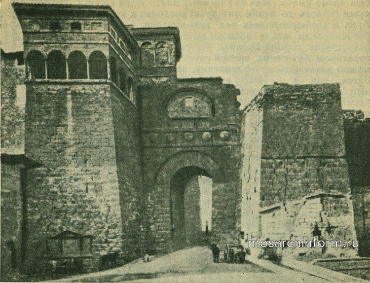 Так называемая арка Августа в Перудже-  Архитектура этрусков