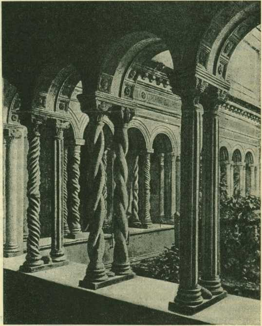 Монастырский ход церкви Сант-Паоло фуори ле мура, в Риме