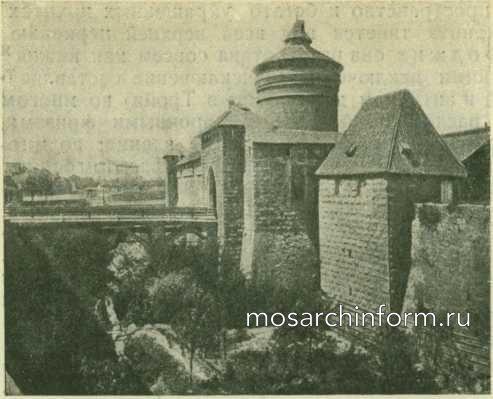 Крепостные ворота в Нюрнберге - Романская архитектура Италии