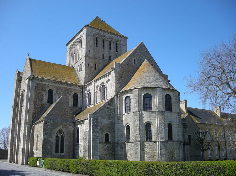 Лесейское аббатство, Нормандия, Франция - Романская архитектура