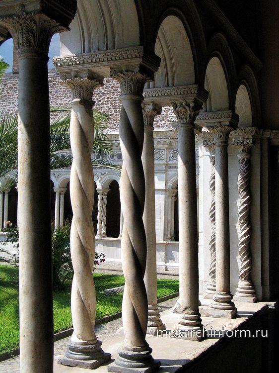 Клуатр базилики Сан-Джованни ин Латерано - Романская архитектура