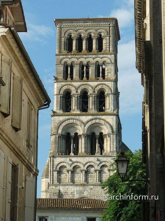 Колокольня Ангулемского собора, Шаранта, юго-запад Франции - Романская архитектура