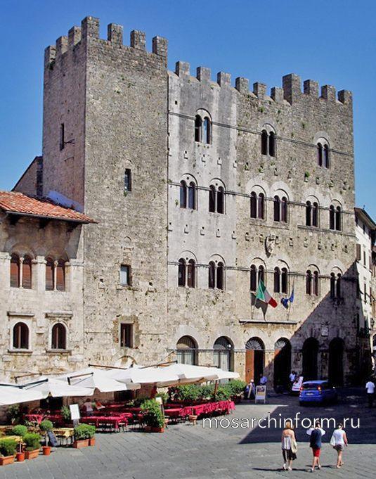 Гражданский зал в Масса-Мариттима, Италия - Романская архитектура