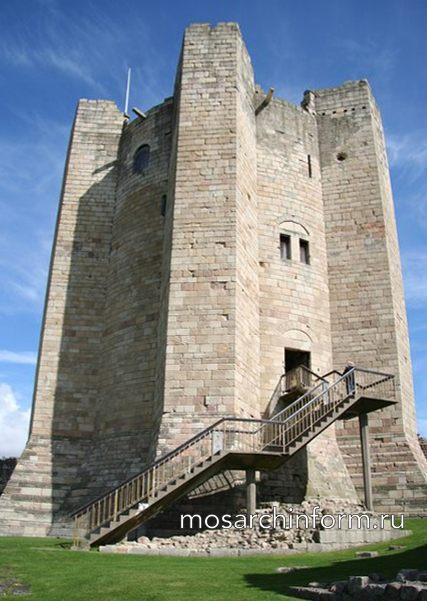 Донжон замка Конисборо, Англия