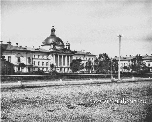 Голицынская больница - Архитектура Москвы 19 века